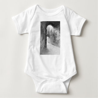 Body Para Bebê Corredores escuros de uma estrutura velha do