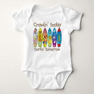 Body Para Bebê Crawlin hoje. .surfin amanhã