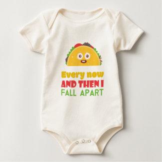 Body Para Bebê De vez em quando eu caio Taco distante engraçado