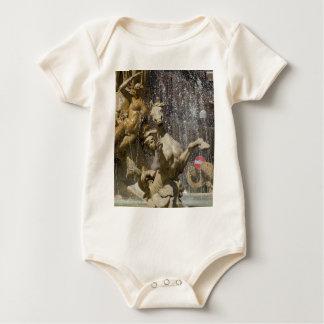 Body Para Bebê Detalhe de d'Artemide de Fontana, Ortigia