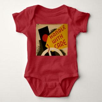"""Body Para Bebê Do vintage do """"punho Bodysuit do bebê com cuidado"""""""