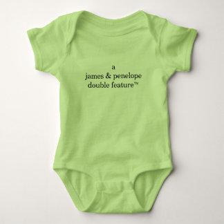 Body Para Bebê Dupla característica de A (os nomes dos pais aqui)