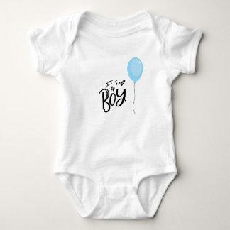 Body Para Bebê É um menino com balão azul