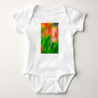 Body Para Bebê Esboço vermelho e amarelo verde da tulipa