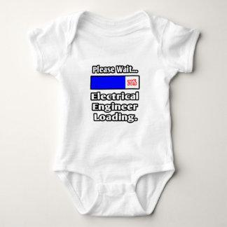 Body Para Bebê Espere por favor… a carga do engenheiro