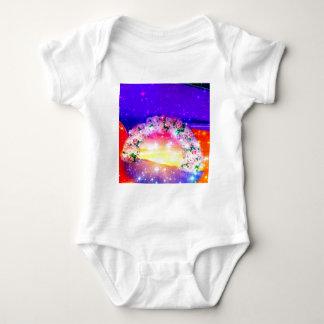 Body Para Bebê Estrelas e arco-íris das flores na celebração