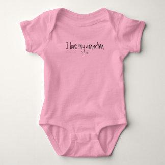 """Body Para Bebê """"Eu amo bebê novo de uma peça só, presente da"""