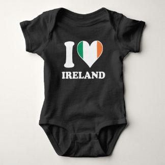 Body Para Bebê Eu amo o coração irlandês da bandeira de Ireland