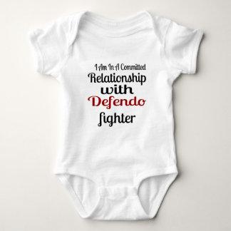 Body Para Bebê Eu estou em uma relação cometida com Defendo Figh