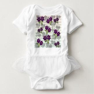 Body Para Bebê Flores roxas do vintage