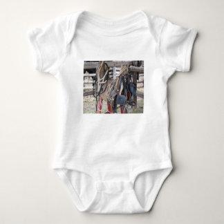 Body Para Bebê Freios e bocados de couro gastos do cavalo