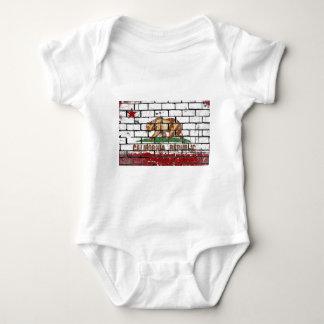Body Para Bebê Grunge da parede de tijolo da bandeira de
