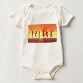Body Para Bebê Grupo de miúdos que têm o divertimento como um