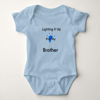 Body Para Bebê Ilumine-o acima do rastejamento azul (do irmão)