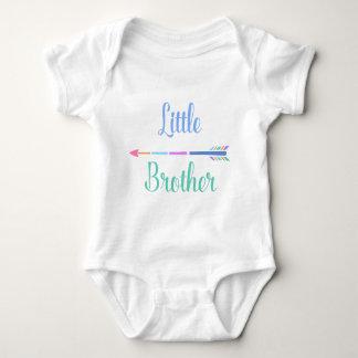 Body Para Bebê Irmão mais novo colorido da seta, casal adorável