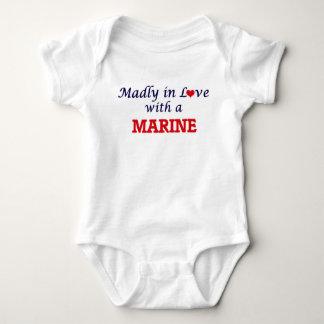 Body Para Bebê Louca no amor com um fuzileiro naval