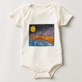 Body Para Bebê Lua amarela sobre a paisagem metamórfica