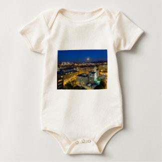 Body Para Bebê Lua cheia que aumenta sobre Portland OU centro