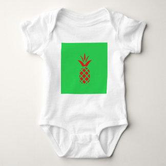 Body Para Bebê Maçã do pinho vermelho no verde