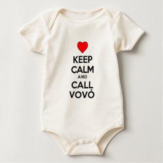 Body Para Bebê Mantenha calmo e chamada Vovo