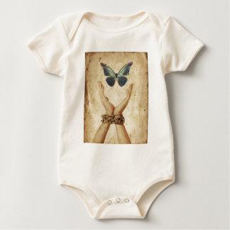 Body Para Bebê Mão acorrentada com a borboleta que paira acima