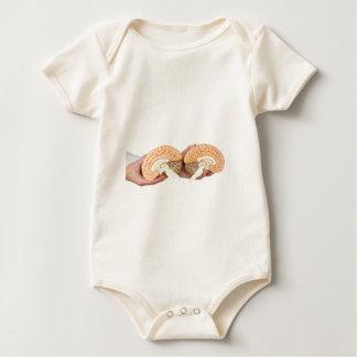 Body Para Bebê Mãos que guardaram o cérebro humano modelo no