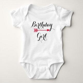 Body Para Bebê Menina do aniversário - seta vermelha de Boho -