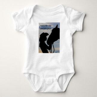 Body Para Bebê Menina que beija o cavalo