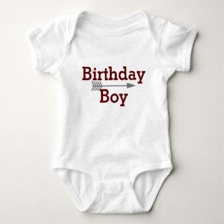 Body Para Bebê Menino do aniversário - seta cinzenta de Boho -