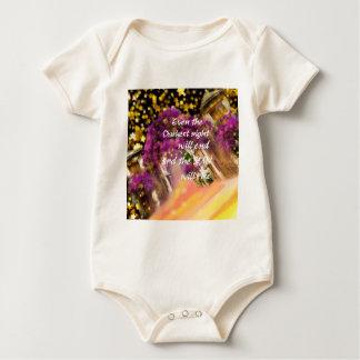 Body Para Bebê Mesmo no momento o mais escuro a fé não é perdida