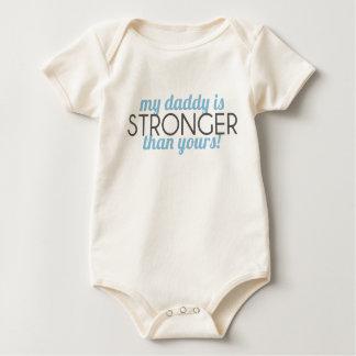 Body Para Bebê meu pai é MAIS FORTE do que seu! menino