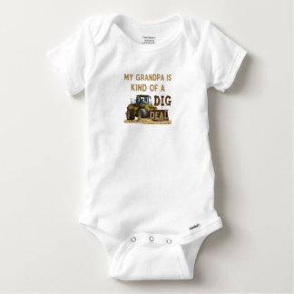 Body Para Bebê Meu vovô é tipo de um negócio da ESCAVAÇÃO