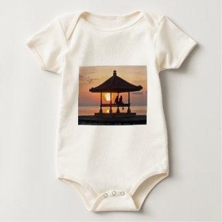 Body Para Bebê Moring na ilha de Bali