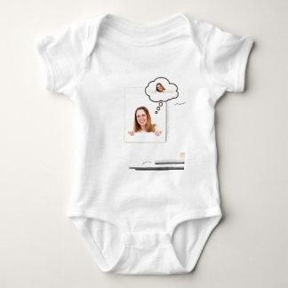 Body Para Bebê Mulher loura que pensa no conselho branco