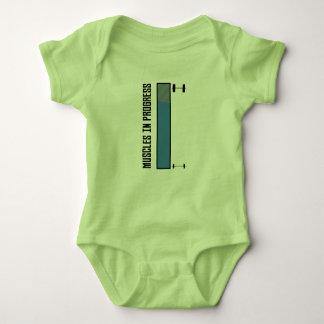 Body Para Bebê Muscles o exercício em andamento Z8jh1