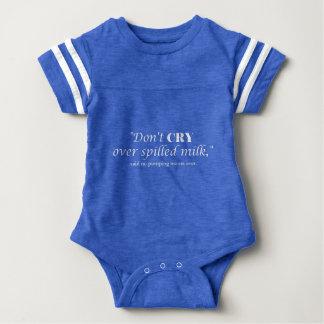 """Body Para Bebê """"Não grita o leite sobre derramado"""" com rotulação"""