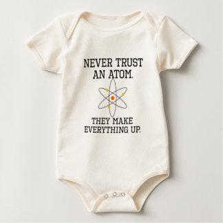 Body Para Bebê Nunca confie um átomo - ciência engraçada