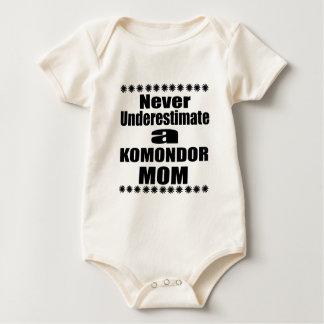 Body Para Bebê Nunca subestime a mamã de KOMONDOR