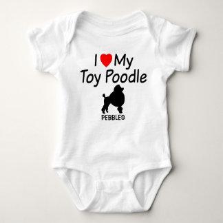 Body Para Bebê O bebê ama o cão de caniche do brinquedo