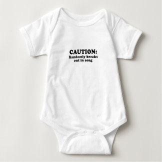 Body Para Bebê O cuidado estoira aleatòria na canção
