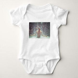 Body Para Bebê O homem sob a cachoeira