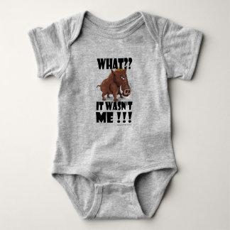 """Body Para Bebê O varrão mal-humorado diz que """"não era mim """""""