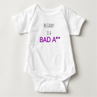 """Body Para Bebê Onsie infantil - """"meus daddys um mau A **"""""""