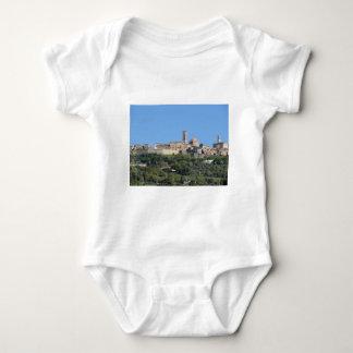 Body Para Bebê Panorama da vila de Volterra. Toscânia, Italia
