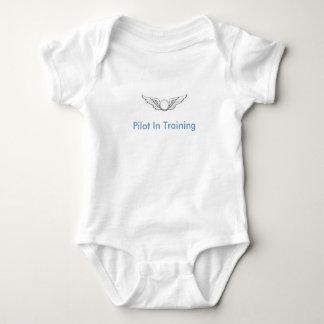 Body Para Bebê Piloto no treinamento