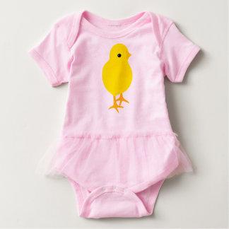 Body Para Bebê Pintinho amarelo curioso