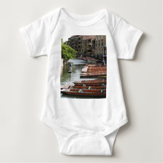 Body Para Bebê Pontapés em Cambridge, Inglaterra
