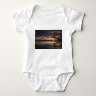 Body Para Bebê Por do sol no porto em Anacortes em Washington EUA