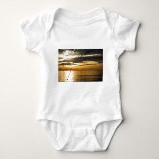 Body Para Bebê por do sol pacífico dourado