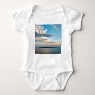 Body Para Bebê Por do sol sobre a ilha
